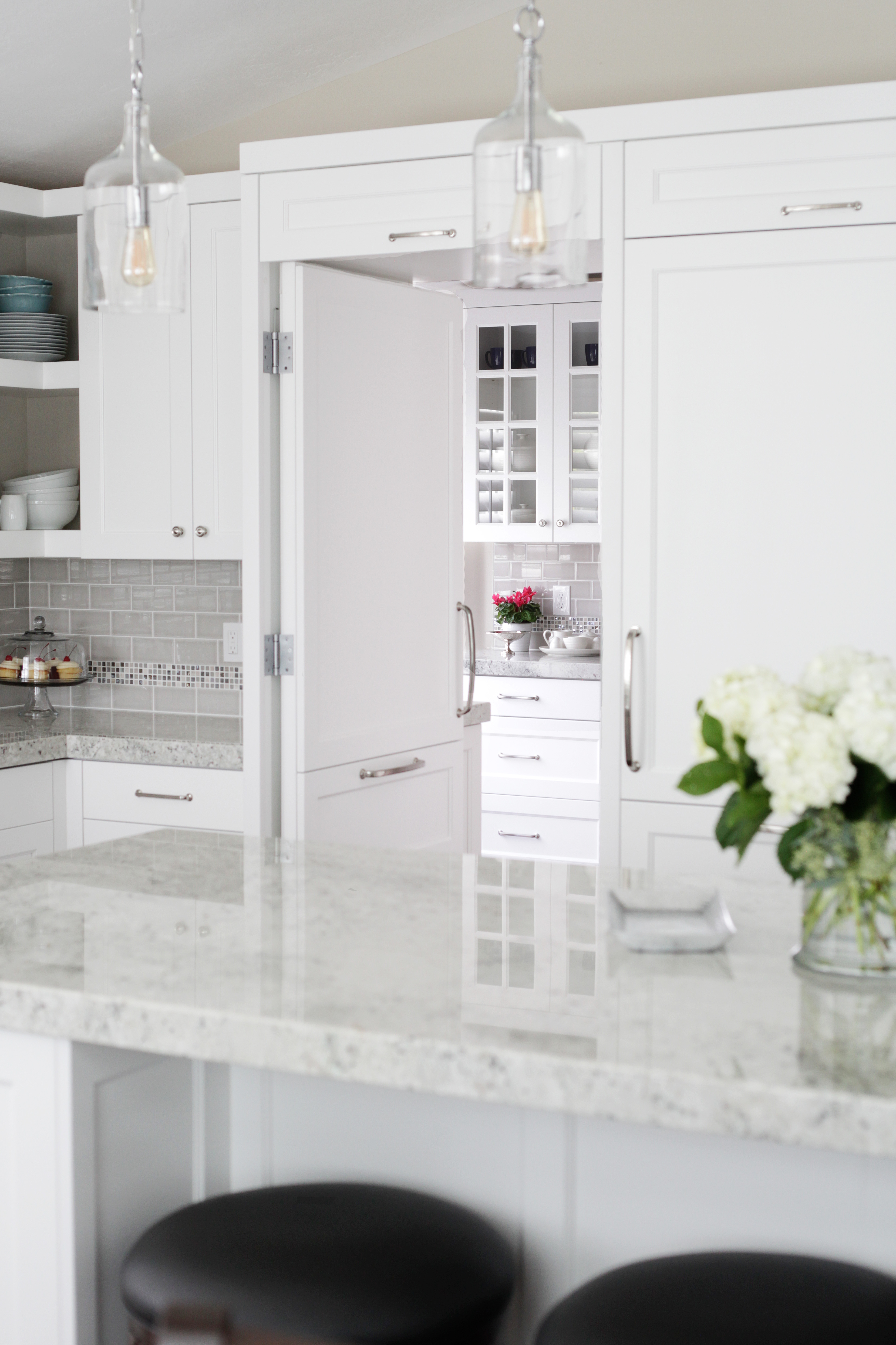 Elegant White Kitchen & Pantry | Steve\'s Cabinetry Blog